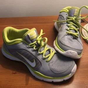 Shoes - Nike sneakers